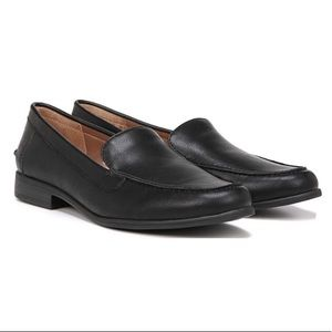 NIB Life Stride Margot Black Vegan Leather Loafer
